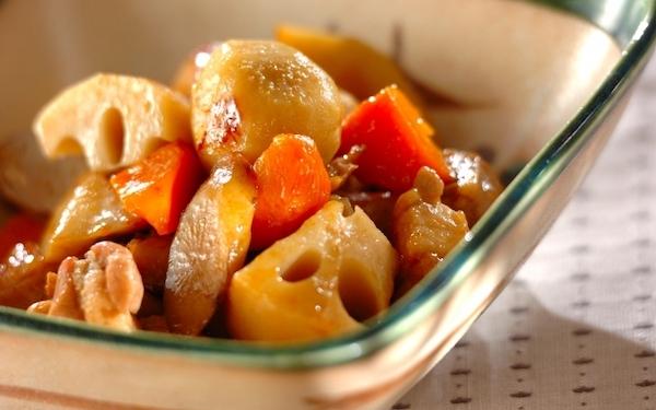 出汁いらずで簡単! 麺つゆで鶏肉と根菜の煮物