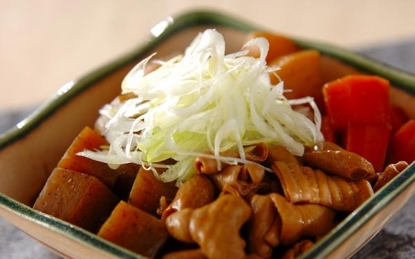 炊飯器で簡単にできる、たっぷり野菜のモツ煮込み