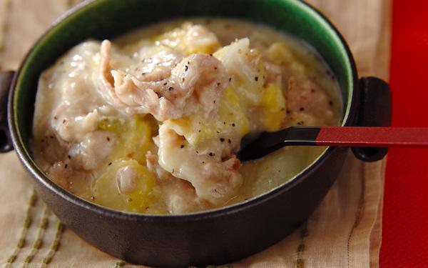 トロッと溶けたお餅がくせになる、餅の豚肉白菜クリーミー煮