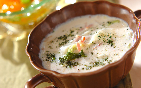 ベーコンの旨味たっぷり! 白菜のミルク煮
