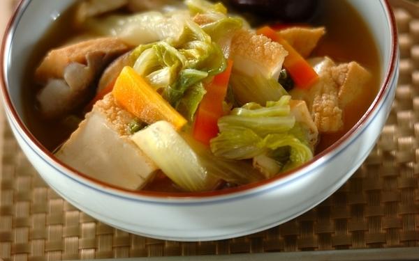 旨味がジュワッと広がる、とろとろ白菜と厚揚げの中華風うま煮