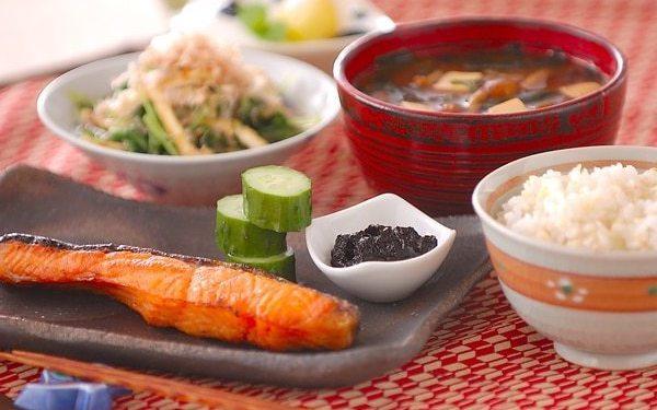 ご飯がもりもり進む美味しさ、フィンランド人にも好評な「焼き鮭」