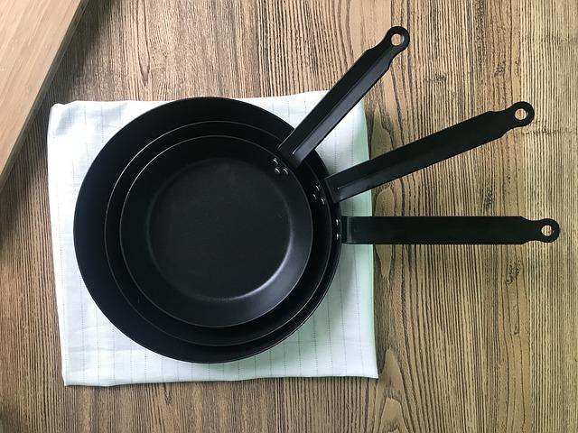 焦げ付き 方 フライパン 取り 鍋の焦げ付きを落とす5つの方法!長年の汚れもこれで必ず落ちます!|YOURMYSTAR STYLE