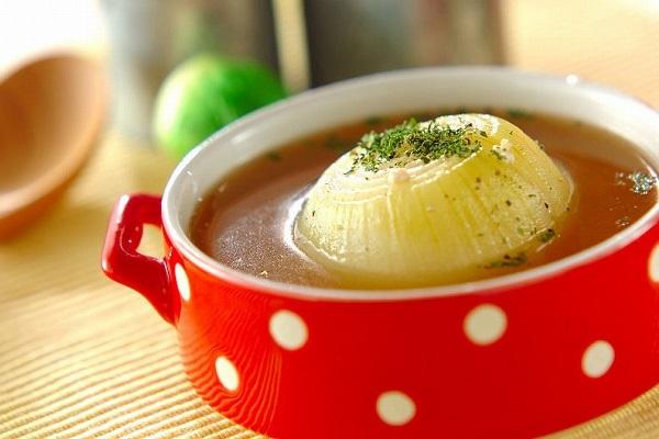 血液サラサラ!丸ごと玉ネギのスープ