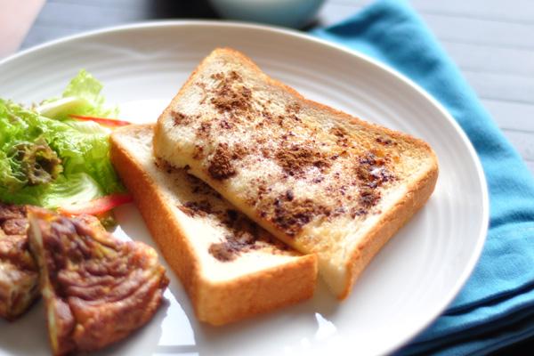 朝食にぴったり! シナモン食パン
