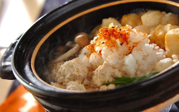 体が芯から温まる! 栄養バランス抜群な「揚げ餅入りみぞれ鍋」