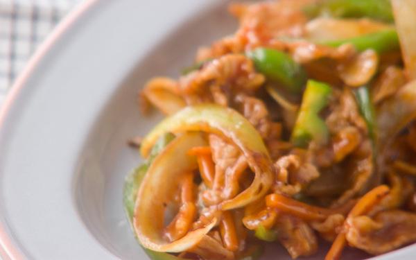 子どもも大好き、野菜がたっぷり摂れる「豚肉のケチャップ炒め」