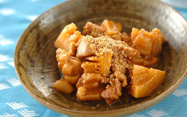 お弁当やおつまみにも最適、甘じょっぱい味わいの「鶏肉とタケノコのみそ煮」