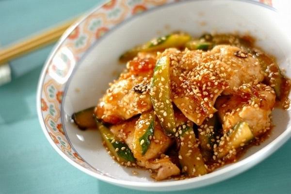 鶏むね肉とキュウリの炒め物