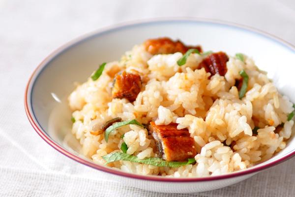 ウナギと梅干しの混ぜご飯