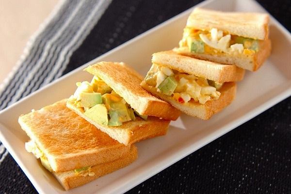 アボカドと卵のサンド