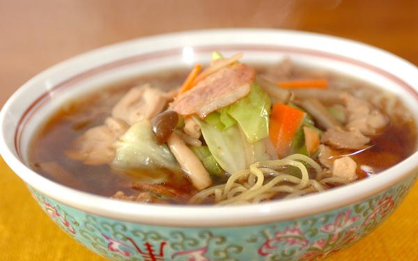 本格的な味を堪能できる、生麺で簡単に作れる「王道の醤油ラーメン」