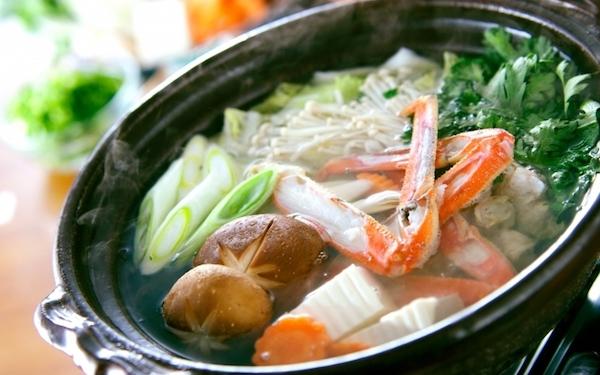 アッサリ美味しい、家族で食べたいあったかカニ鍋