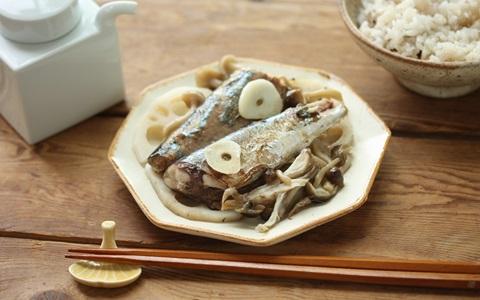 旬の食材で! 簡単レシピ ~フライパンで! さんまのガーリック塩焼き~