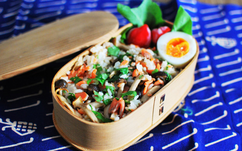 OL弁当レシピ「きのことサーモンのちらし寿司弁当」