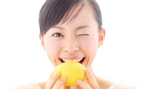お値段以上の価値あり! レモンを丸かじりするような圧倒的に濃くておいしいレモネードとは