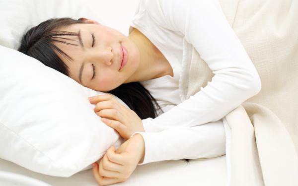 低反発というだけじゃダメ!? 質のよい睡眠で毎日元気に過ごすために自分に合った硬さのマットレスを選んで