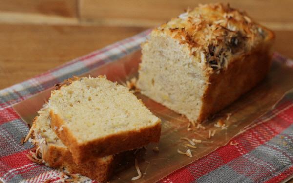 バター不足の救世主。話題のココナッツオイルで作る、「ヘルシー・ココナッツバナナケーキ」