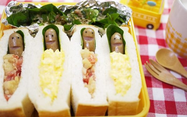 春眠暁を覚えず、ちょっと可愛い寝袋サンドイッチ