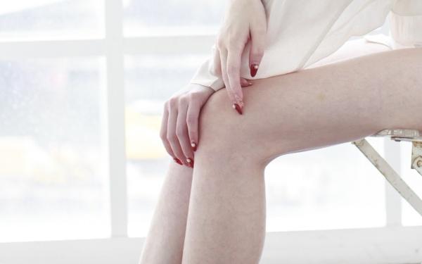 ひざがたるむとオバサン脚に! ミニスカートがはけるキレイなひざの作り方
