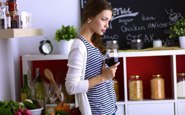 PMS(月経前症候群)がツラいのは、アレの不足が原因!? 率先して食べるべき食材