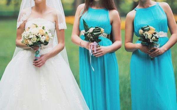 暑い季節の結婚パーティー、涼しげドレスアップのコツ