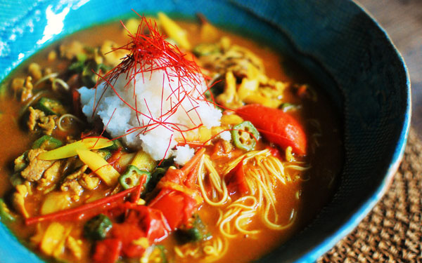 全部一緒に茹でてOK、酸味が効いて美味しい「トマトカレー素麺」