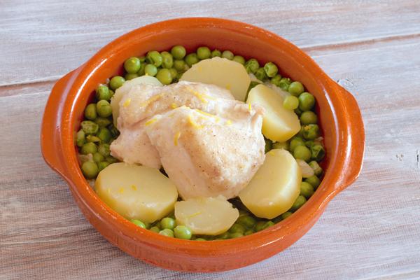 鶏肉とジャガイモとグリンピースのレモン風味