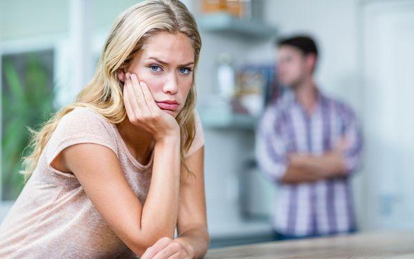 夫にうんざいしている妻