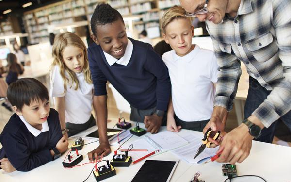 自由研究のテーマにも◎! 子どもの好奇心・発想力を伸ばせるイベント&スポット4選