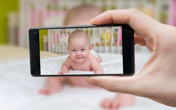 知らないところで使われている? あなたは子どもの写真をSNSへ投稿しますか?