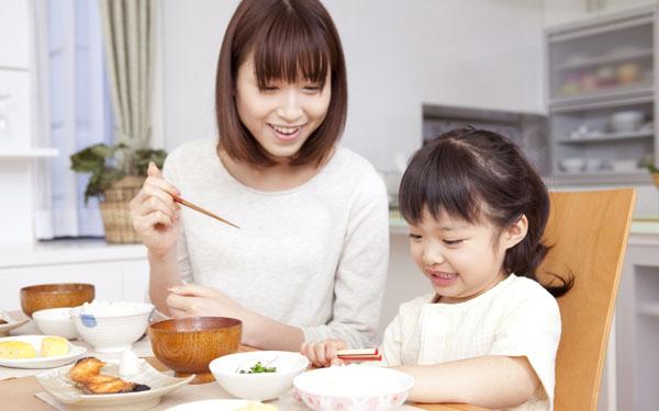 子は親を見て育つ! 身につけたい「きれいな食べ方」のコツ