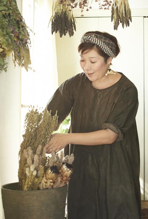 子育て中でも楽しめる「花のあしらい術」 花生師 岡本典子さん家のインテリア #03