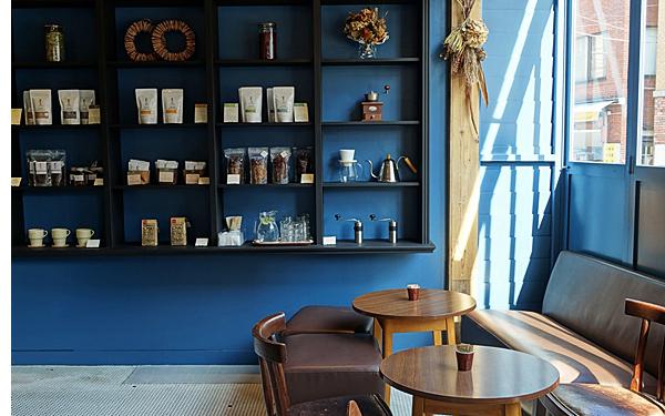 カフェの街、メルボルン仕込みのコーヒーと手作りお菓子 #奥沢 #奥沢ファクトリー コーヒー&ベイク