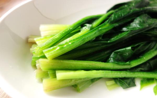 「たっぷりのお湯」にはワケがある! 青菜の栄養を逃さないコツ