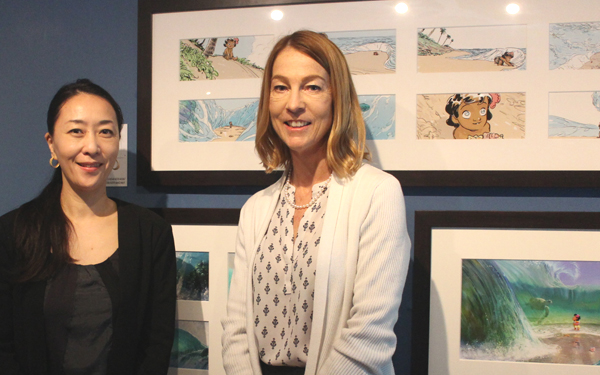 左側が日本科学未来館 展示企画開発課 課長 内田まほろさん、右側がウォルト・ディズニー・アニメーション・リサーチ・ライブラリーのマネージング・ディレクター メアリー・ウォルシュさん
