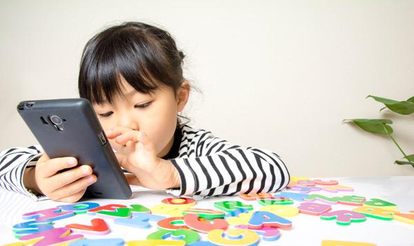 子どもの現代病「スマホ依存」にさせない! 今、親子で取り組めること