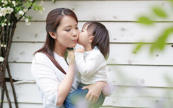 子どものストレート愛情表現に胸キュン! ママが泣いちゃう感激プレゼント