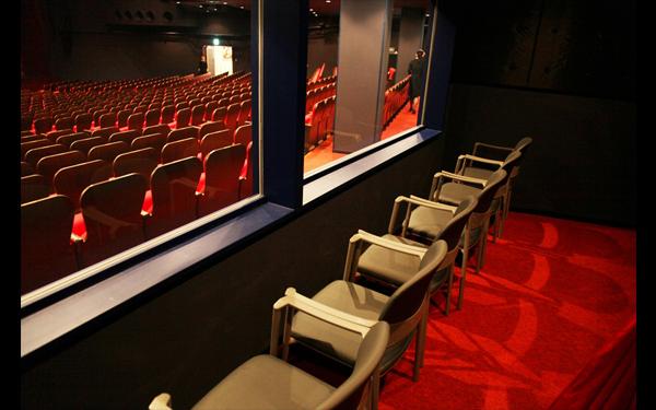 親子観劇室