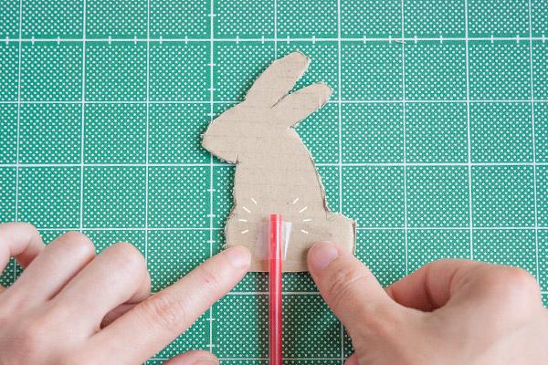 親子で作って遊べる、うごくお月見影あそび【おうちで季節イベント お手軽アートレシピ Vol.22】