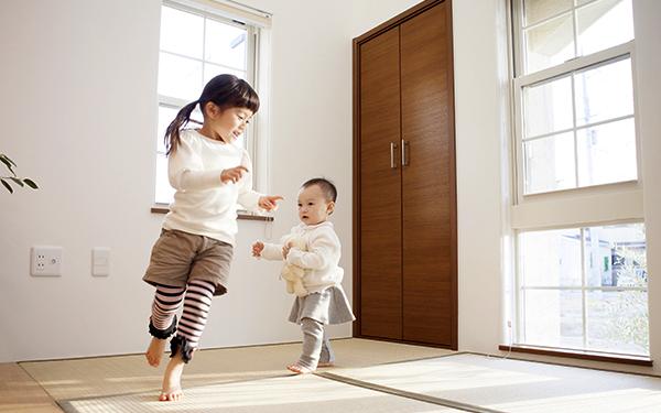 騒ぐ、走る、暴れる… ご近所トラブルを防ぐ! 子どもの騒音対策