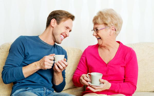 夫と義母の仲が良すぎ! 明るすぎる進化系マザコン夫はどうすれば?