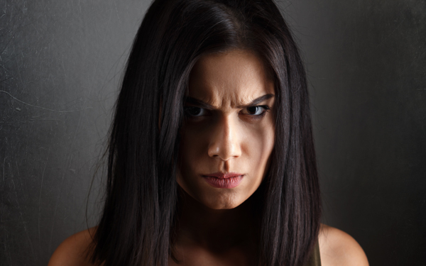 ヒステリック…我慢の末に大激怒…身を滅ぼすのはこんな女性【シリーズ・モンスターワイフ  第6回】
