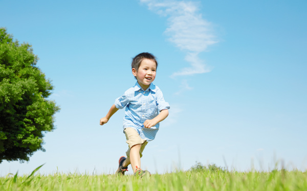 発達障害の子どもが変わる、ABAの言葉かけアプローチとは?