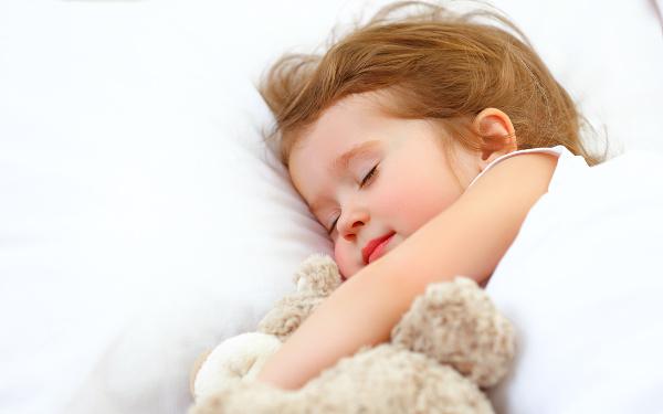 寝顔は天使! 医学博士に聞いてみた「疑問だらけの子どもの眠り」