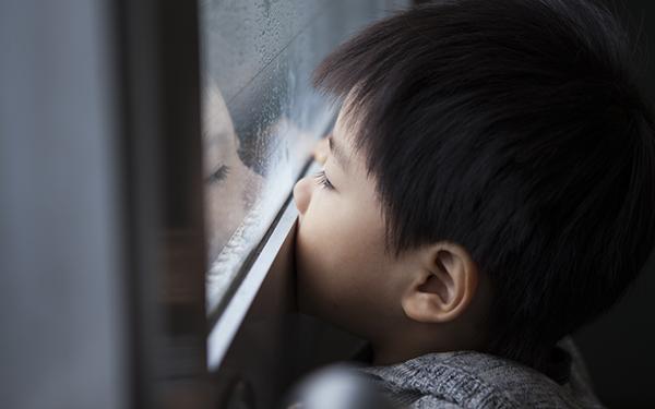 子供の悩みに親はどこまで介入する? その線引きと解決法とは