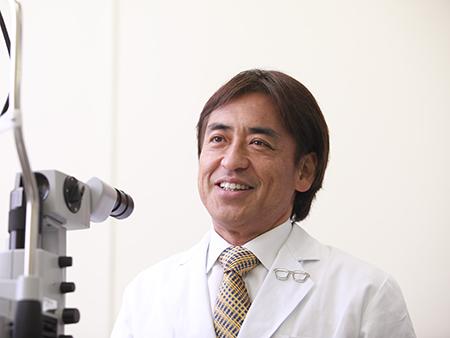 坪田一男氏