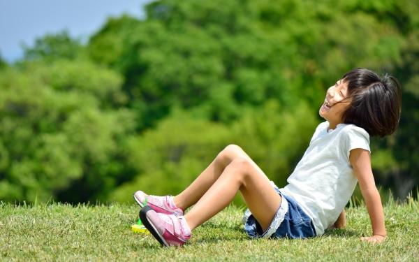 進む校庭の芝生化、実はマイナス面も? 経験者が語る