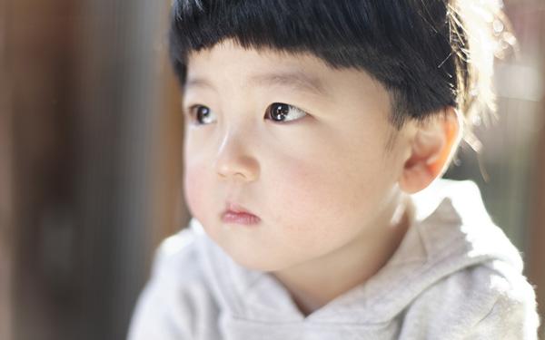 引っ込み思案な子どもに自信を持たせる親のひと言