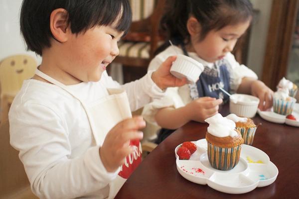 2歳児でも失敗しない!  子どもが一人で作れる「カップケーキ」のレシピ
